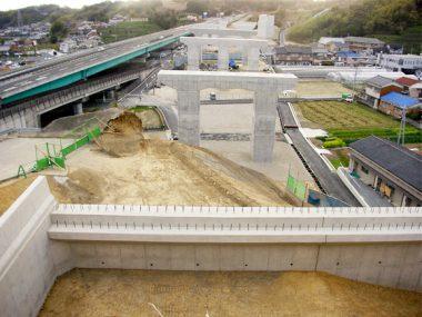 近畿自動車道紀勢線・稲成高架橋A2橋台他改良工事