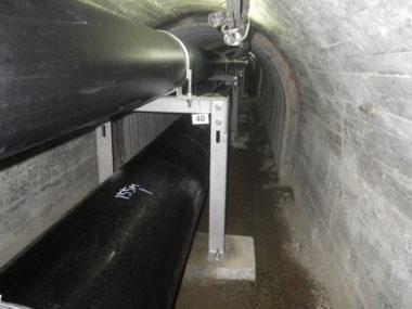 隧道内配水管更新工事